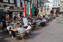 Τουρίστες στο Άμστερνταμ, Ολλανδία στοκ εικόνα