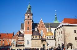 Τουρίστες στο έδαφος του κάστρου Wawel Στοκ Εικόνες