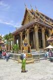 Τουρίστες στο μεγάλο παλάτι, Μπανγκόκ στοκ εικόνα