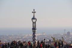 Τουρίστες 2 της Βαρκελώνης Parc Guell Στοκ Φωτογραφίες