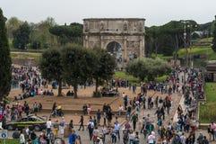 Τουρίστες της Ρώμης Ιταλία Colosseum Στοκ Εικόνες