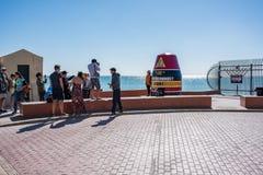 Τουρίστες το πιό νοτηότατοτο σημείο των ηπειρωτικών Ηνωμένων Πολιτειών Στοκ εικόνα με δικαίωμα ελεύθερης χρήσης