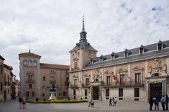 Τουρίστες Plaza de Λα Villa, Μαδρίτη, Ισπανία Στοκ Εικόνες