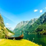 Τουρισμός και ταξίδι βουνά Νορβηγία φιορδ Στοκ εικόνες με δικαίωμα ελεύθερης χρήσης