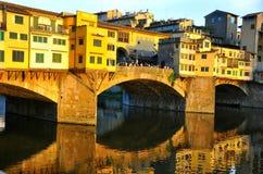 Τουρισμός πόλη της Ιταλίας, Φλωρεντία με την παλαιά γέφυρα Στοκ εικόνα με δικαίωμα ελεύθερης χρήσης