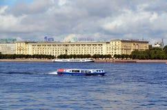 Τουρισμός στην Άγιος-Πετρούπολη Στοκ εικόνα με δικαίωμα ελεύθερης χρήσης