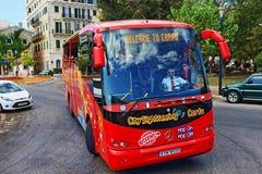 Τουριστηκό λεωφορείο Κέρκυρα Ελλάδα επίσκεψης πόλεων Στοκ Εικόνες