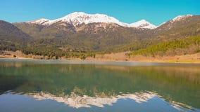 Τουριστική λίμνη Doxa χειμερινού προορισμού στην Ελλάδα απόθεμα βίντεο