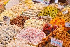 Τουρκικά γλυκά απόλαυσης Στοκ Φωτογραφία