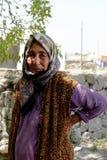 Τουρκική γυναίκα στα χαρακτηριστικά ενδύματα στοκ εικόνα