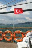Τουρκική σημαία στη Ιστανμπούλ Στοκ Φωτογραφία