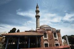 Τουρκικό μουσουλμανικό τέμενος με το μιναρές Στοκ Φωτογραφίες