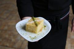 Τουρκικό παραδοσιακό επιδόρπιο Revani Στοκ φωτογραφία με δικαίωμα ελεύθερης χρήσης