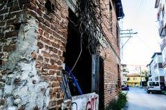 Τουρκικό σπίτι δύο ιστορίας Desolated παλαιό Στοκ εικόνα με δικαίωμα ελεύθερης χρήσης