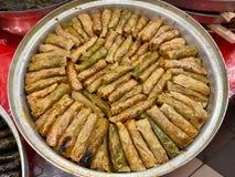 Τουρκικό Dolma Lahana Sarmasi/Kelem Dolmasi/ρόλοι λάχανων στοκ εικόνες