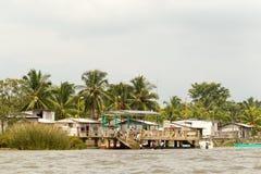 Του Εκουαδόρ παράκτιο χωριό στοκ φωτογραφίες