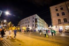 12 του Ιουλίου του 2017 - Πολωνία, Κρακοβία Τετράγωνο αγοράς τη νύχτα Ο κεντρικός αγωγός Στοκ εικόνες με δικαίωμα ελεύθερης χρήσης