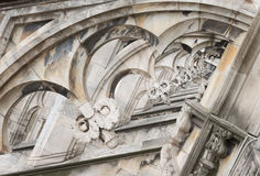 Του Μιλάνου καθεδρικών ναών δειγμένα archs κώνος αγάλματα διακοσμήσεων στεγών γοτθικά Στοκ Φωτογραφίες