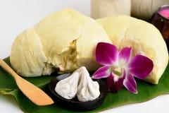 Του προσώπου συνταγές μασκών ακμής με τα φρούτα Durian και το ανθρακικό άλας ασβεστίου Στοκ εικόνα με δικαίωμα ελεύθερης χρήσης