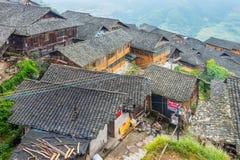 Του χωριού ξύλινα σπίτια παραδοσιακού κινέζικου Στοκ Φωτογραφία