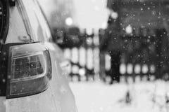 Του χωριού χειμώνας αυτοκινήτων Στοκ Φωτογραφίες