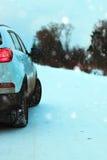 Του χωριού χειμώνας αυτοκινήτων Στοκ εικόνες με δικαίωμα ελεύθερης χρήσης
