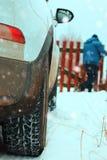 Του χωριού χειμώνας αυτοκινήτων Στοκ Εικόνα