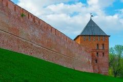 Τούβλινος τοίχος του Κρεμλίνου και του πύργου Στοκ εικόνες με δικαίωμα ελεύθερης χρήσης