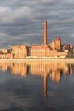 τούβλο που χτίζει το παλ& Στοκ Φωτογραφία