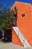 Τούβλο-χρωματισμένος τοίχος Στοκ φωτογραφία με δικαίωμα ελεύθερης χρήσης