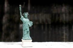Το άγαλμα της ελευθερίας, άγαλμα της ελευθερίας, άγαλμα ελευθερίας, αμερικανικό σύμβολο, Νέα Υόρκη, ΗΠΑ, κούκλα και ειδώλιο, ακόμ Στοκ Εικόνες
