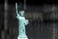 Το άγαλμα της ελευθερίας, άγαλμα της ελευθερίας, άγαλμα ελευθερίας, αμερικανικό σύμβολο, Νέα Υόρκη, ΗΠΑ, κούκλα και ειδώλιο, ακόμ Στοκ εικόνες με δικαίωμα ελεύθερης χρήσης