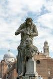 Το άγαλμα του Antonio Canova 1757-1822 ποιος ήταν ιταλικός γλύπτης από τη Δημοκρατία της Βενετίας Το άγαλμα βρίσκεται σε Prato δ Στοκ φωτογραφία με δικαίωμα ελεύθερης χρήσης