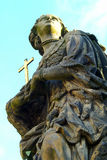 Το άγαλμα των Αγίων Barbara, Margaret και Elizabeth στη γέφυρα του Charles Στοκ Εικόνες
