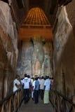 Το άγαλμα Buddhal μέσα στο σπίτι εικόνας Jetavanarama σε Anuradhapura στη Σρι Λάνκα Στοκ φωτογραφία με δικαίωμα ελεύθερης χρήσης
