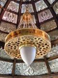 Το λάμποντας φανάρι στο khan khalili EL souq εμπορεύεται με την αραβική γραφή σε το στην Αίγυπτο Κάιρο Στοκ Εικόνες