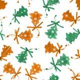 Το άνευ ραφής υπόβαθρο με το χριστουγεννιάτικο δέντρο trinkets που απομονώνεται Στοκ Φωτογραφία