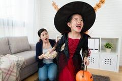 Το άτακτο ευτυχές τέχνασμα παιδικού παιχνιδιού ή μεταχειρίζεται Στοκ φωτογραφία με δικαίωμα ελεύθερης χρήσης