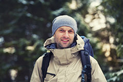 Το άτομο με το σακίδιο πλάτης Στοκ εικόνα με δικαίωμα ελεύθερης χρήσης