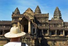 Το άτομο στο ναό Angkor Wat σύνθετο, Siem συγκεντρώνει, Καμπότζη Στοκ Φωτογραφία
