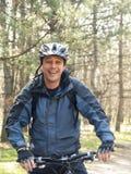 Το άτομο στο ποδήλατο Στοκ Εικόνες