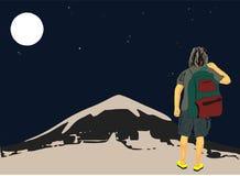 Το άτομο τουριστών στη μισή μπλούζα και τις Βερμούδες μανικιών και το σακίδιο πλάτης τοποθετούν σε σάκκο σε έναν ώμο που πηγαίνει απεικόνιση αποθεμάτων