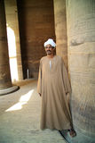 Το άτομο φρουρεί τους ναούς στην Αίγυπτο Στοκ Φωτογραφίες