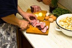 Τεμαχισμένο άτομο κρέας Στοκ Εικόνες