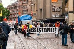 Το έμβλημα αντίστασης στα γαλλικά διαμαρτύρεται τον πολιτικό Μάρτιο κατά τη διάρκεια ενός Fre Στοκ εικόνα με δικαίωμα ελεύθερης χρήσης