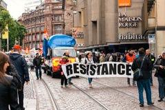 Το έμβλημα αντίστασης στα γαλλικά διαμαρτύρεται τον πολιτικό Μάρτιο κατά τη διάρκεια ενός Fre Στοκ φωτογραφίες με δικαίωμα ελεύθερης χρήσης