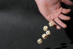Το ένα άφησε το αρσενικό παιχνίδι χεριών χωρίζει σε τετράγωνα Στοκ Φωτογραφία