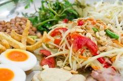 Το έξοχο τηγάνι της πράσινης Papaya συνταγής σαλάτας με τις γαρίδες Στοκ Εικόνα