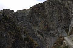 Το ίχνος στη λίμνη Tilicho στο κύκλωμα Annapurna Στοκ εικόνες με δικαίωμα ελεύθερης χρήσης