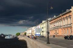 Το αγγλικό ανάχωμα στο ST Πετρούπολη Στοκ Εικόνες